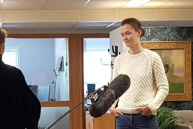 Anette Trettebergstuen på besøk hos Norsk Kennel Klub (Foto: Kjetil S Vataker/NKK)