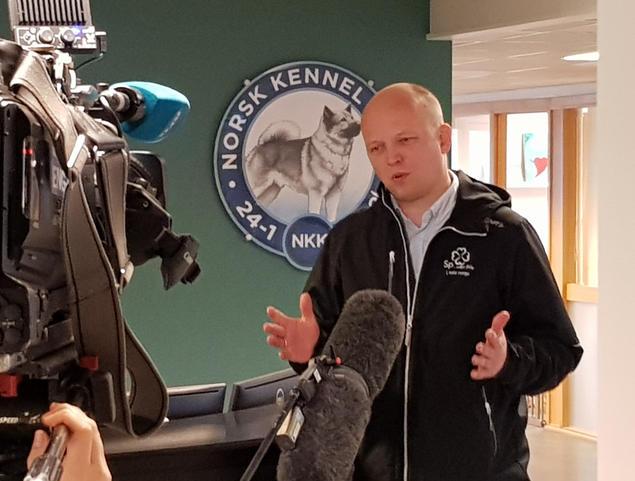 Trygve Magnus Slagsvold Vedum var på besøk hos NKK mandag 4. mai. (Foto: Kjetil S. Vataker/NKK)