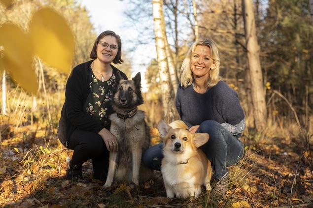 Marianne Ono Njøten og Cecilie Holgersen, avdelingsledere Norsk Kennel Klub. Foto Cilje H A Moe